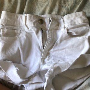 American Eagle Super Strech White Jean Shorts